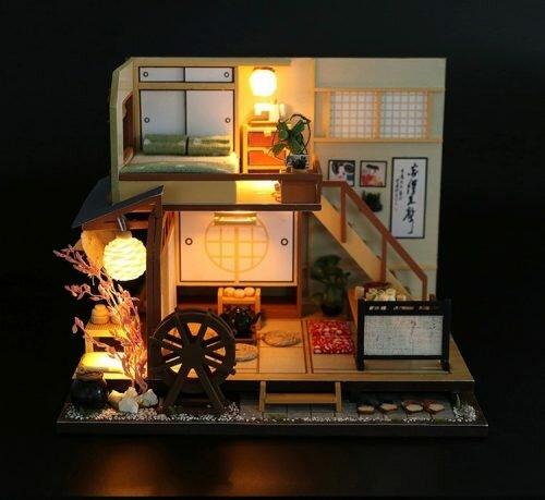 Japońskie Wakacje - domek dla lalek oświetlony